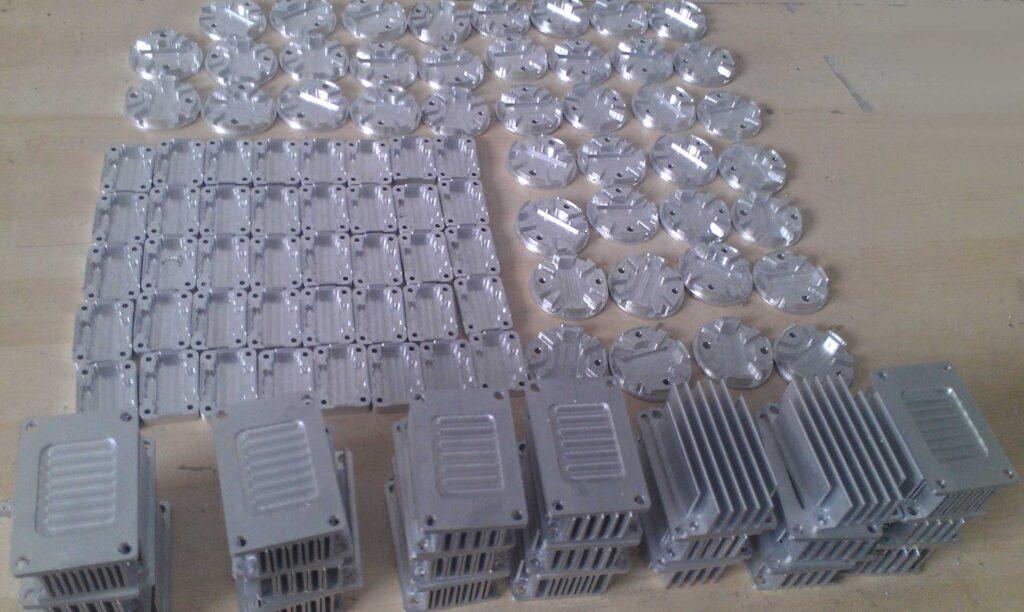 Lavorazione in serie di componenti in alluminio per industria realizzati con pantografi cnc Automa