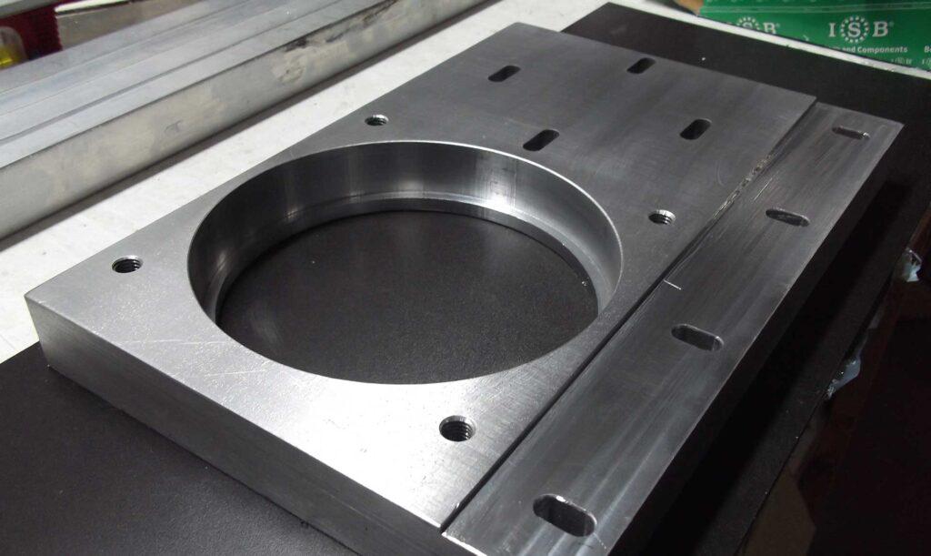 Produzione macchine per lavorazioni meccaniche in alluminio, manifattura e componentistica italiana.