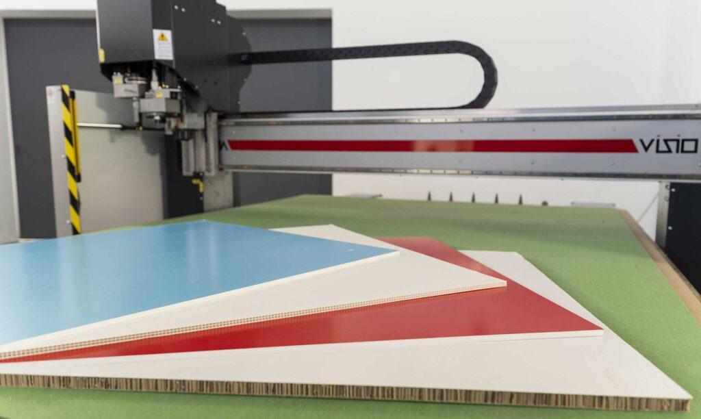 Macchine taglio lama per lavorazione polionda e sandwich, Automa Pantografi