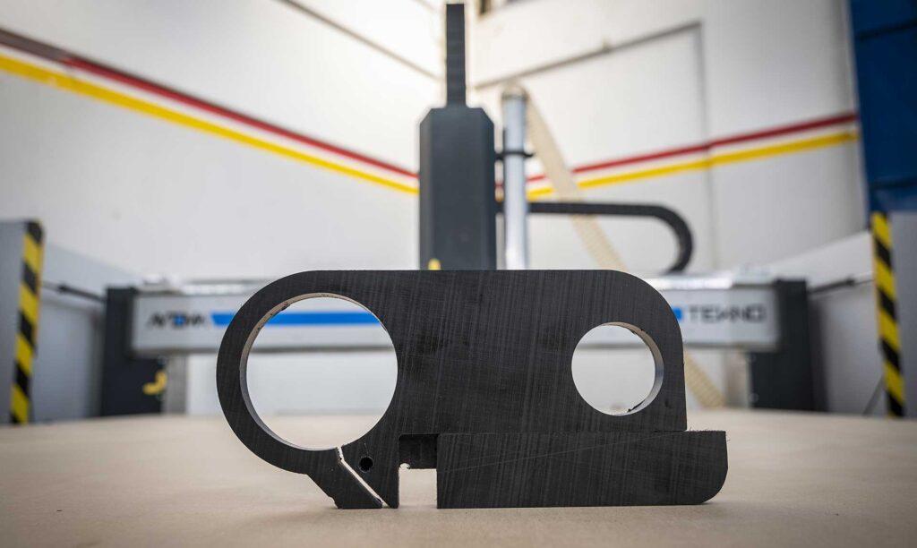 pantografi industriali per la lavorazione di plastiche di svariati spessori, Automa Pantografi