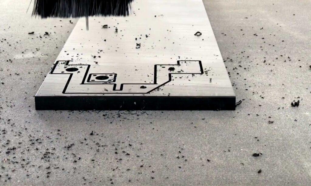 Dettaglio lavoraizone meccanica eseguita con pantografo industriale Automa